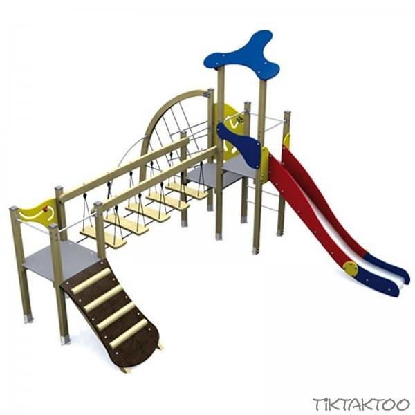 spielturm in klassischen farben turm mit rutsche kletternetz kletterrampe und br cke holz. Black Bedroom Furniture Sets. Home Design Ideas