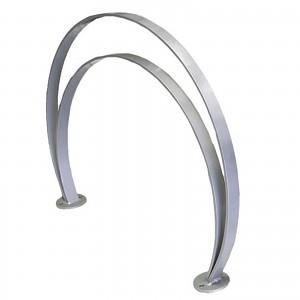 Galvanisierter Stahl-Fahrradständer für 2 Räder unterschiedlicher Höhen für den öffentlichen Bereich