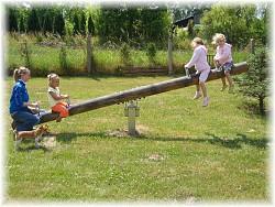 LoggyLand - Wippe aus Lärchenholz 16cm, 4m lang, stoßgedämpft