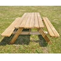 Picknicktisch aufgeklappt